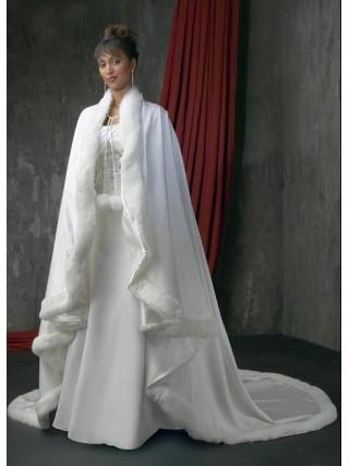 e23a141eeeec Accessori sposa inverno cappotti stole giacche pellicce (12)