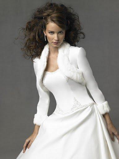 f591168b7520 Accessori sposa inverno cappotti stole giacche pellicce (9)
