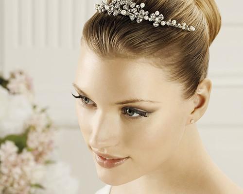 Accessori per l u0027acconciatura della sposa 2014 diademi e tiare firmate  Pronovias ... ac5ab47e2253