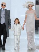 Vestiti Da Sposa Karl Lagerfeld.Cara Delevingne La Sposa Di Chanel 2014 Secondo Karl Lagerfeld
