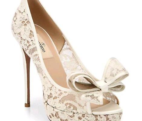 04b716bbb4338 Una soluzione glamour firmata Valentino per le scarpe da sposa