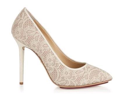 3af2d607b8e0b Charlotte Olympia scarpe sposa pizzo modello Monroe1. Scarpe e stivaletti  da sposa in pizzo   i modelli Monroe e Minerva dalla collezione Charlotte  Olympia
