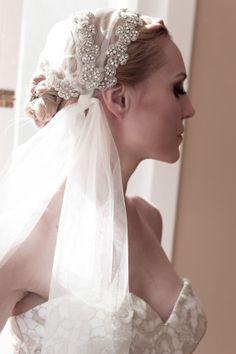 Abiti da sposa con velo a bandana