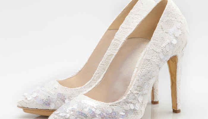 5a9f83185c826 Scarpe da sposa   arriva la Bridal Collection Luxury Shoes 2015 firmata Enzo  Miccio