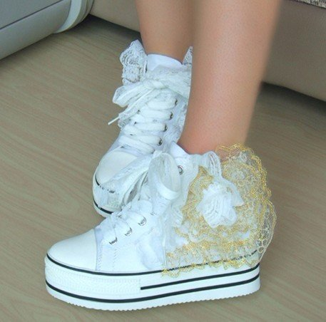 Scarpe Ginnastica Sposa.Scarpe Sposa Sneakers9 Look Sposa