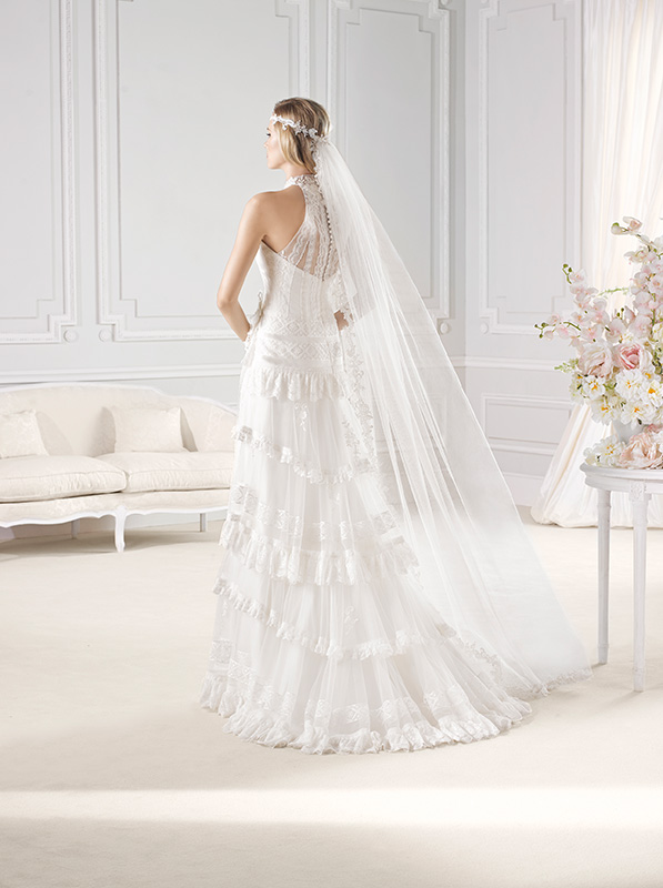 Acconciatura accessori capelli Anni Ruggenti La Sposa Pronovias 2015 retro