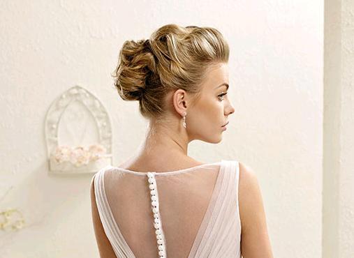 Naturalezza e naturale   le parole chiave per l acconciatura ed il colore  da sposa 2015 63ace0916ca7