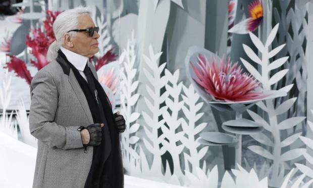 Vestiti Da Sposa Karl Lagerfeld.L Abito Da Sposa Di Karl Lagerfeld Dalla Nuova Collezione Chanel