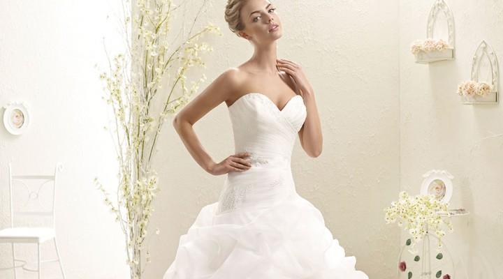 Il romantico e seducente lirismo di un ball gown da sposa firmato Eddy K  2015 18ab6a1f8c9