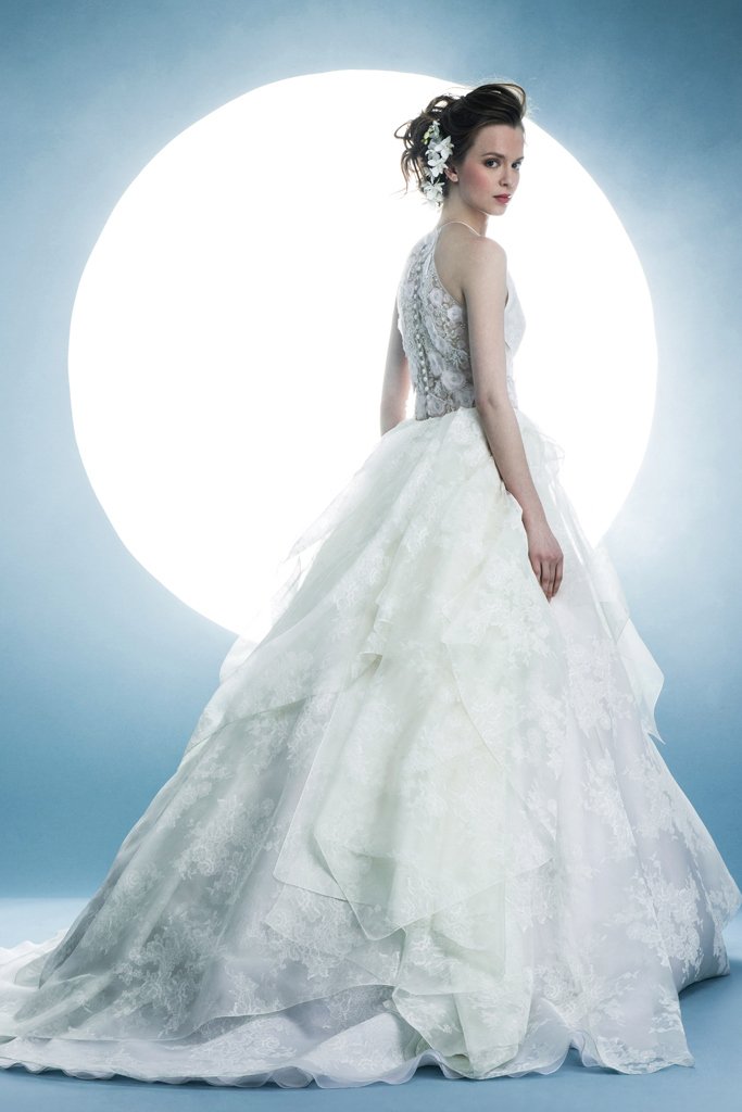 c30e81ea2bc1 Abiti sposa 2016 Angel Sanchez 1 New York Bridal Week 2015. New York Bridal  Week Aprile 2015   una panoramica sugli abiti da sposa primavera – estate  2016