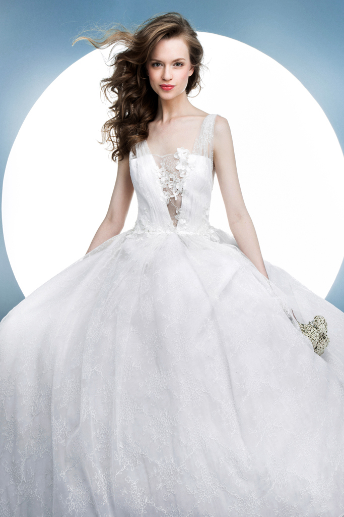 2265502decac Abiti sposa 2016 Angel Sanchez 4 New York Bridal Week 2015. New York Bridal  Week Aprile 2015   una panoramica sugli abiti da sposa primavera – estate  2016