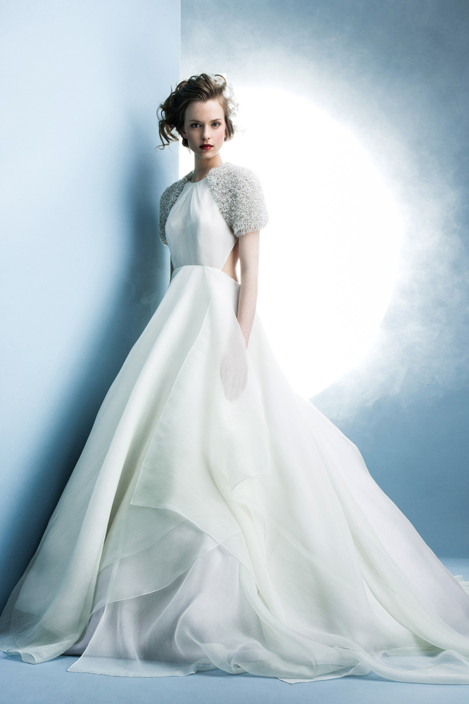 05c9a7400672 Abiti sposa 2016 Angel Sanchez New York Bridal Week 2015. New York Bridal  Week Aprile 2015   una panoramica sugli abiti da sposa primavera – estate  2016