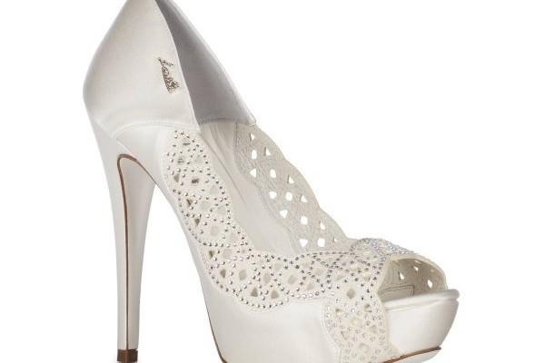 Lavorazione laser e cristalli Swarovski per le scarpe da sposa gioiello  Loriblu 2015 c13750c0955