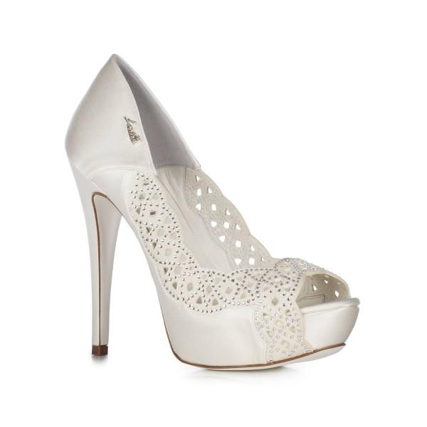 sports shoes 7bfe1 c19ba Lavorazione laser e cristalli Swarovski per le scarpe da ...