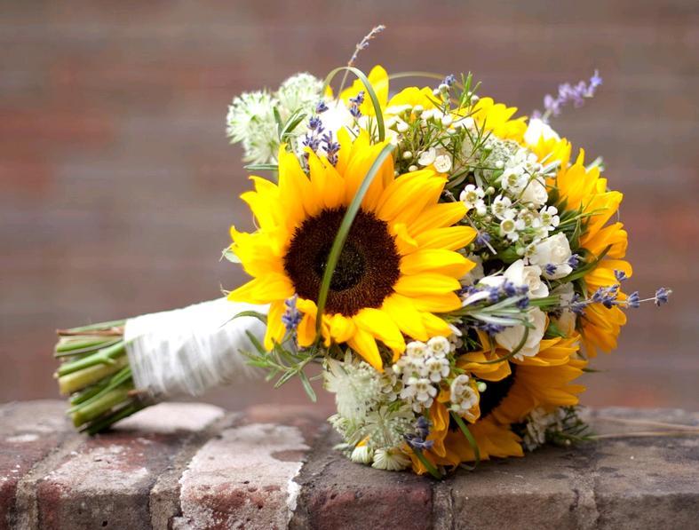Bouquet Sposa Juta.Girasoli E Bouquet Da Sposa Look Sposa