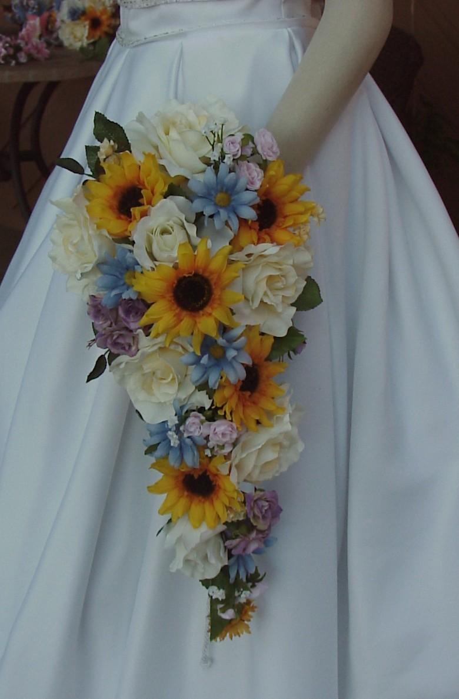 Bouquet Sposa Con Girasoli.Bouquet Sposa Con Girasoli Esempi3 Look Sposa