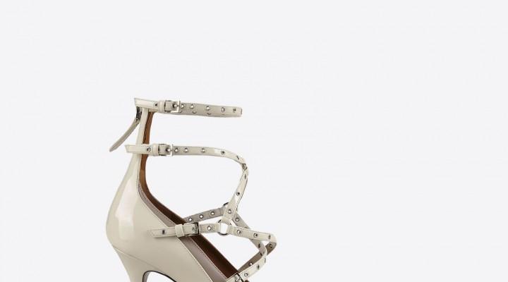 Decollete sposa moderne dalla collezione Haute Couture 2016 di Valentino.  Scarpe ... 3e97698245a