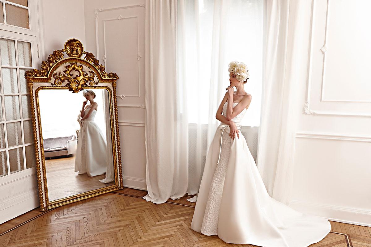 Fascinator accessorio sposa 2016 esempio Elisabetta Polignano2. Il  fascinator tra gli accessori da sposa per capelli più gettonati del 2016 568f479347e