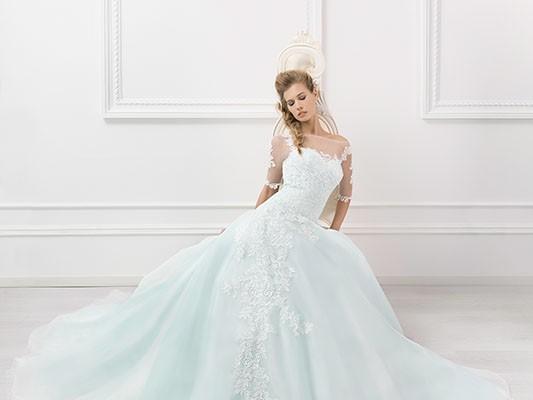 e9a8427e2f7d Le maniche lunghe come trend glamour degli abiti da sposa 2016 ...