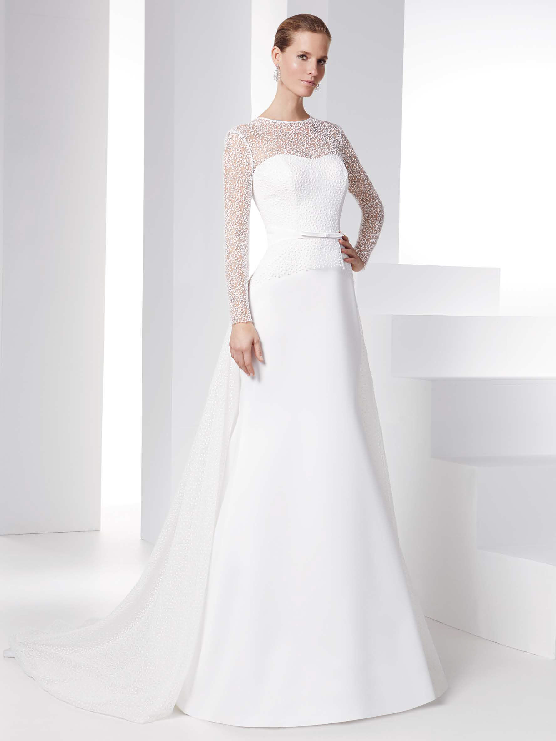 the latest c7aa5 b4a9b Vestiti sposa coprispalle 2016 esempio Raimon Bundo – Look Sposa
