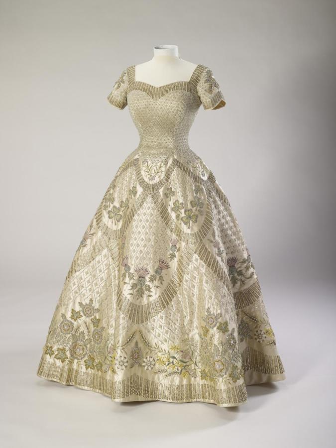 Regina Elisabetta II abito sposa