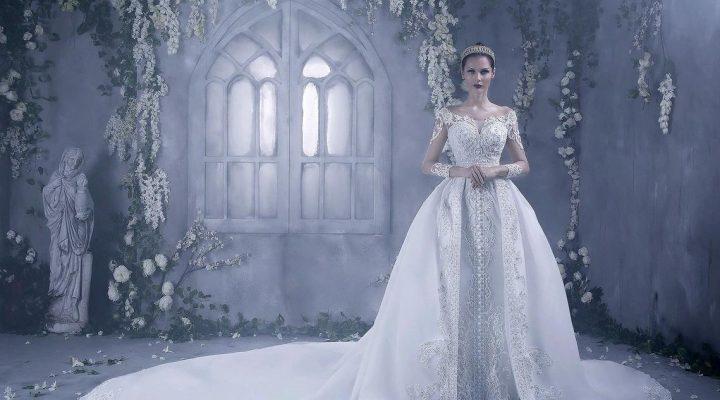 """1f26a6f14844 Gli accessori """"caldi"""" per una sposa d inverno glamour i consigli  dell atelier Look Sposa"""