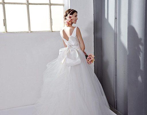 8cc3dedb976f L evanescenza leggiadra degli ampi volumi nella romantica cernita degli  abiti da sposa 2017